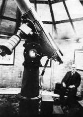 TEBBUTT'S TELESCOPE John Tebbutt (1834-1916) and the telescope which he used to chart the return of Halley's Comet in 1986.