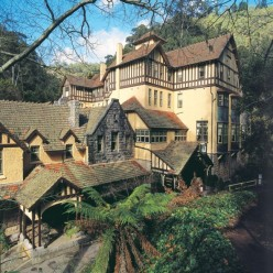 REMOTE RESORT Caves House, Jenolan Caves, NSW, Australia.